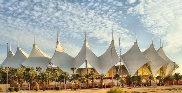 高强钢索近代膜结构:自由轻巧柔美充满力量感的建筑应用越来越广泛!