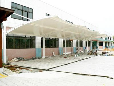 山东省济南市章丘中等职业学校建设自行车棚膜结构