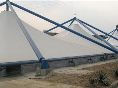 上海石化烯烃部原料罐区及含油污水池膜结构