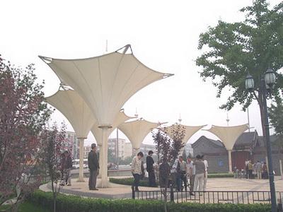 偏关县县城南入口景观大道膜结构